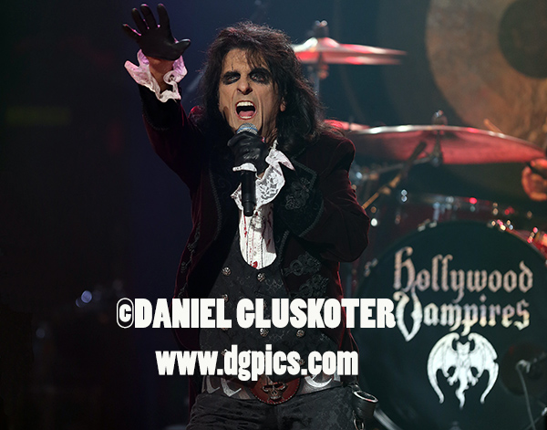 ALICE COOPER HOLLYWOOD VAMPIRES